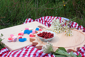 jardi, wood cutting board, picnic, essential picnic
